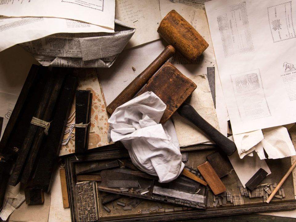 Tools and papers in the Print Shop