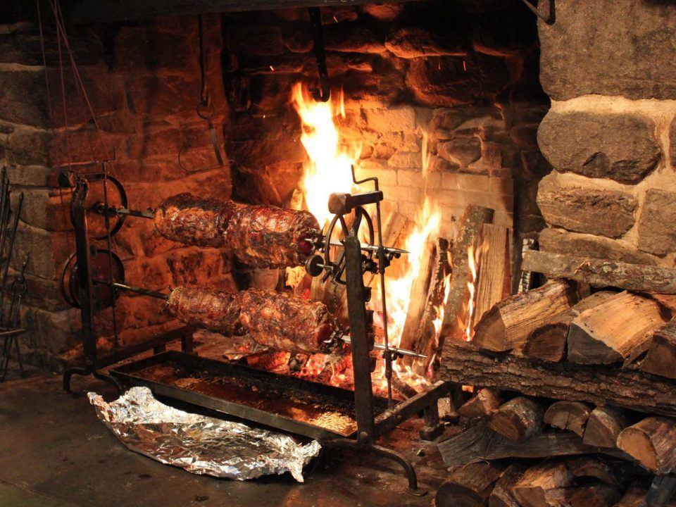 Salem Cross Inn Fireside Feast